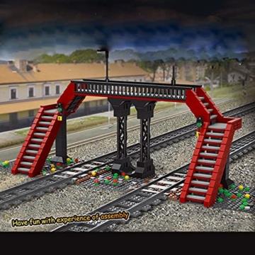 Mould King 12008 Eisenbahnüberführung