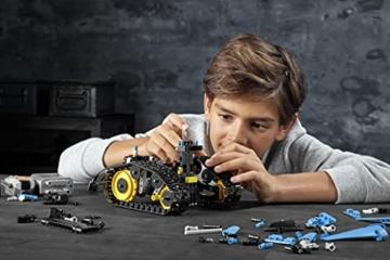 LEGO 42095 Technic Ferngesteuerter Stunt-Racer Spielzeug, 2-in-1-Rennwagen, Modell mit Motorfunktionen, Rennwagen-Kollektion - 14
