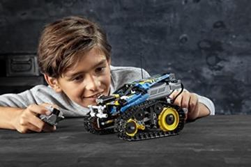 LEGO 42095 Technic Ferngesteuerter Stunt-Racer Spielzeug, 2-in-1-Rennwagen, Modell mit Motorfunktionen, Rennwagen-Kollektion - 15