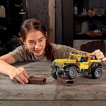 lego-42122-technic-jeep-wrangler-4x4-spielzeugauto-gelaendewagen-suv-modell-bauset-fuer-kinder-und-erwachsene-2