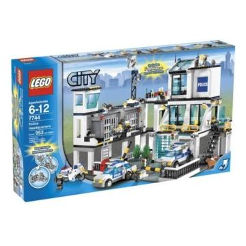 LEGO City 7744 - Polizeistation karton