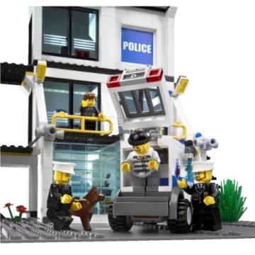 LEGO City 7744 - Polizeistation verbracher